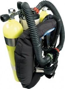 再呼吸器型潜水器
